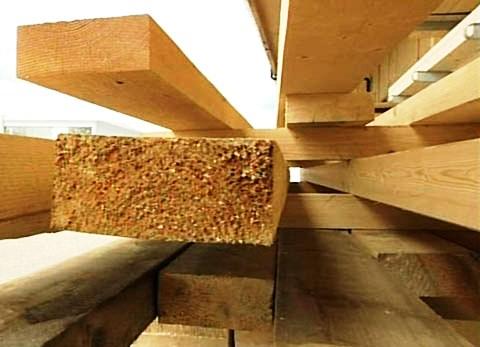 Skladování dřeva